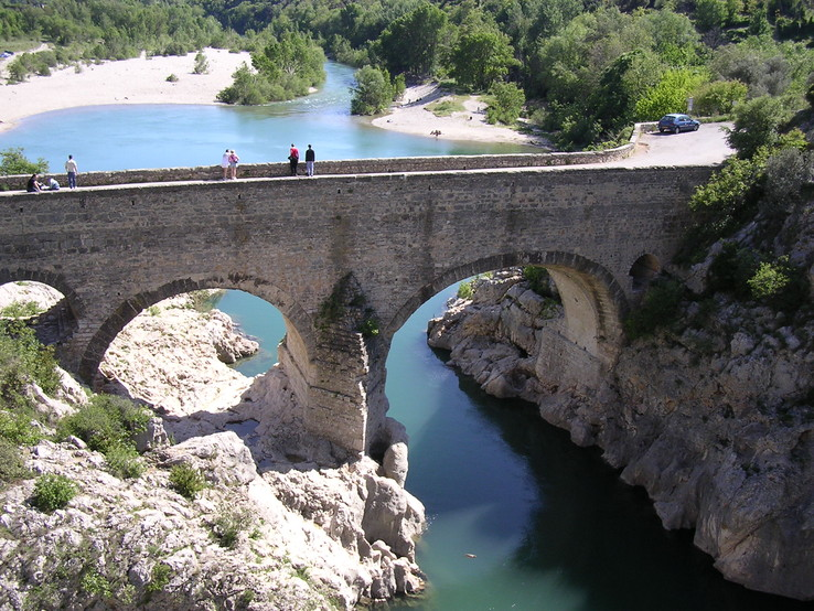 Le Pont du Diable, photo de Aniane