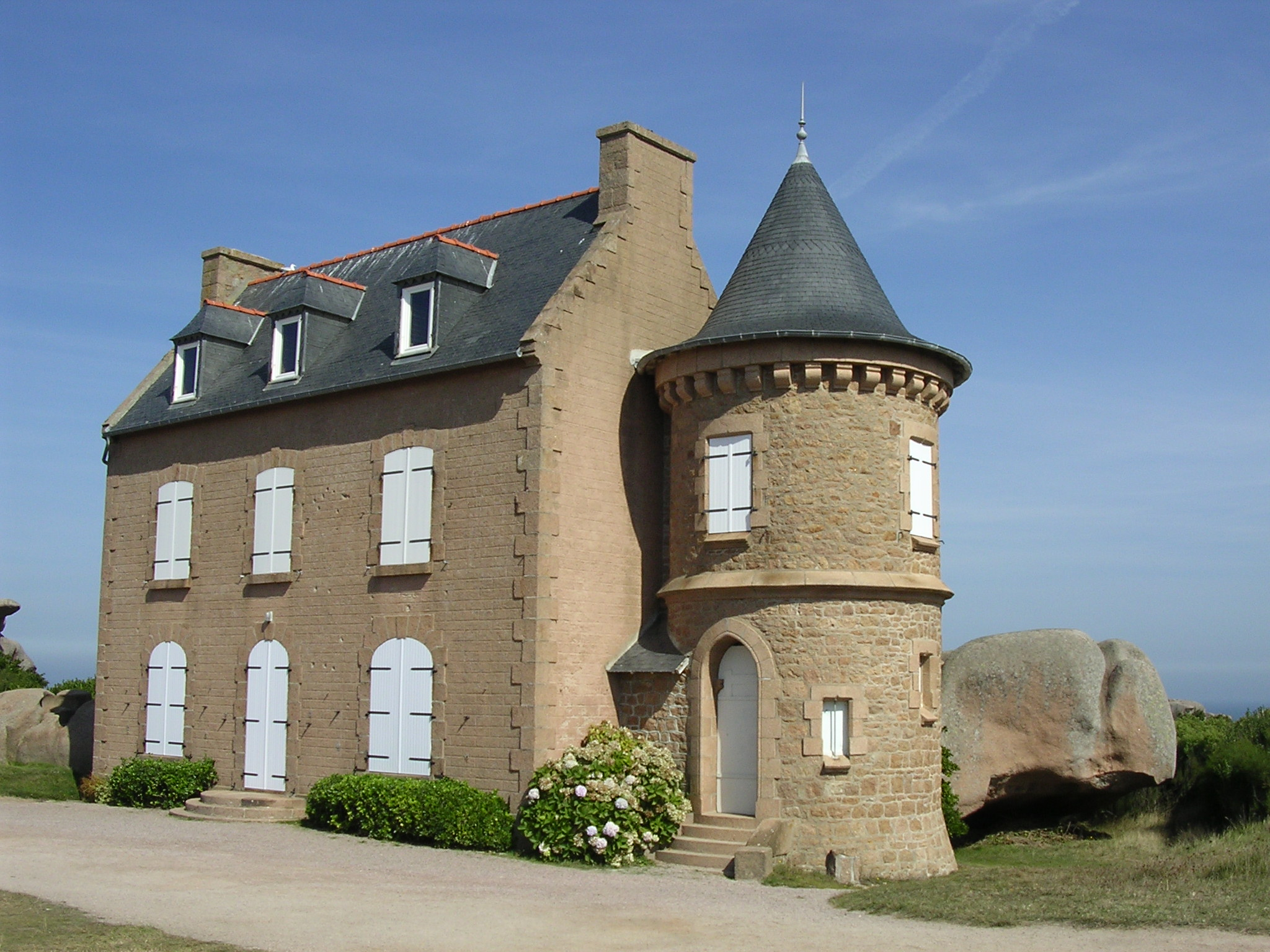 Une Belle Maison Faite De Granit Rose Photo De Ploumanac