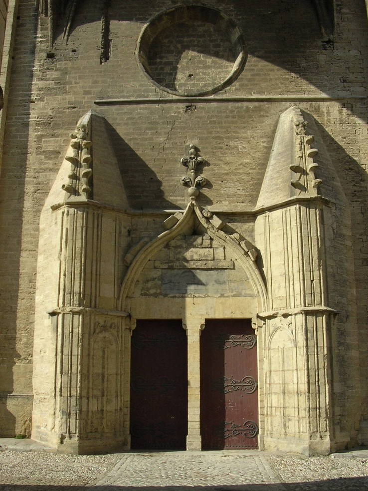 L'entrée de la cathédrale Saint Pierre, photo de Montpellier